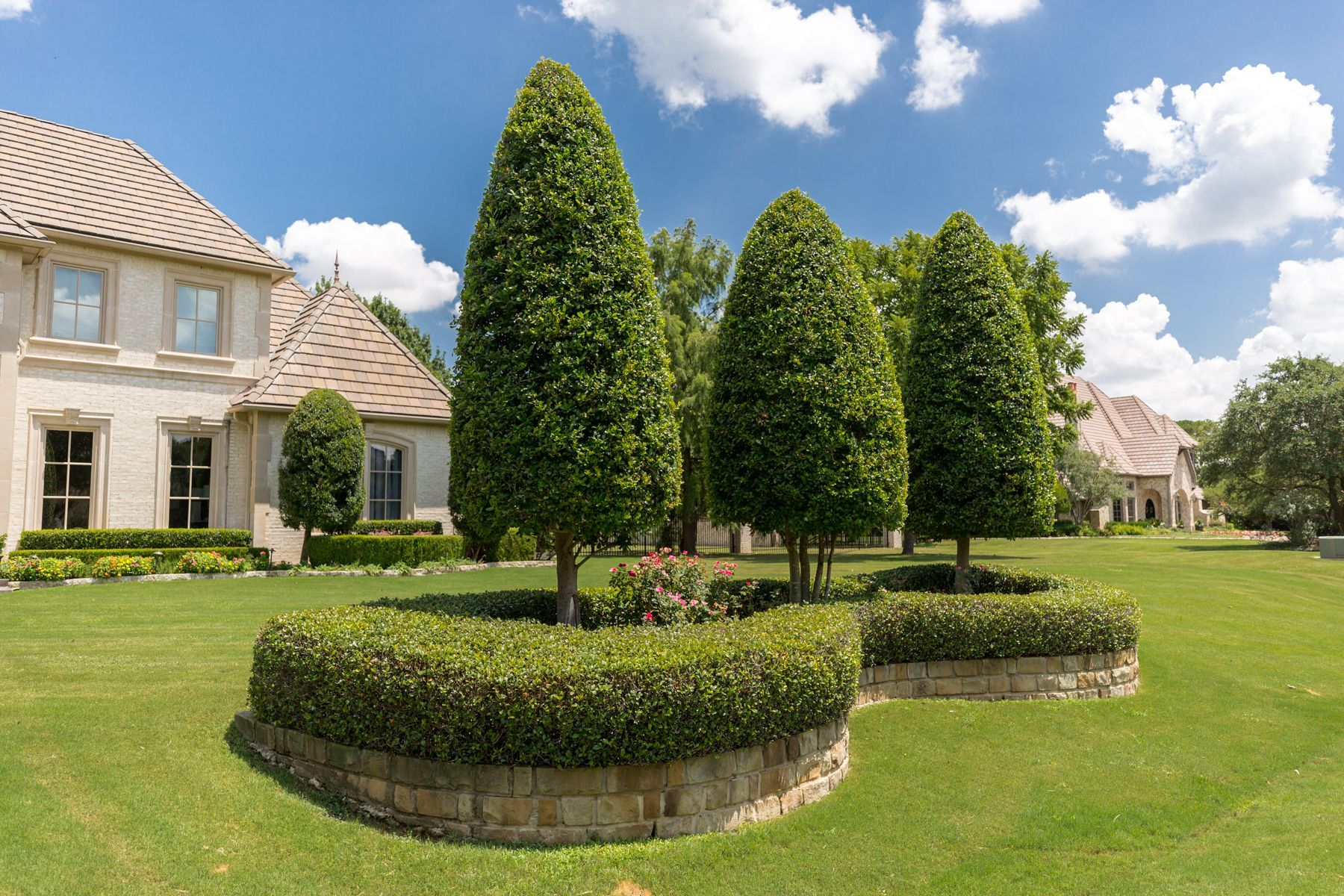 landscape maintenance trees