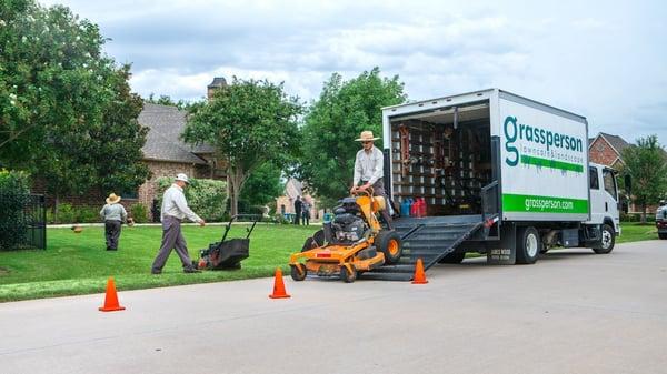 lawn maintenance crew leader job at Grassperson