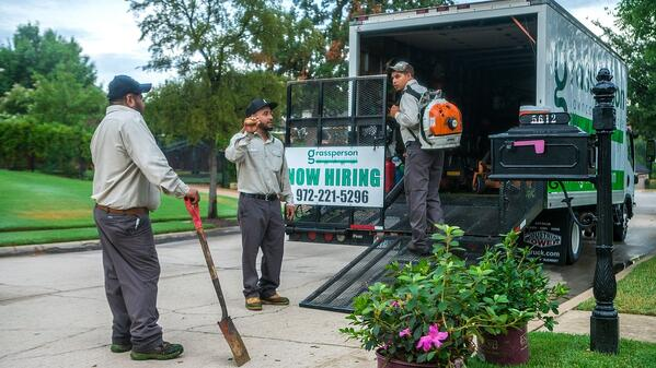 landscape crew leader job at Grassperson