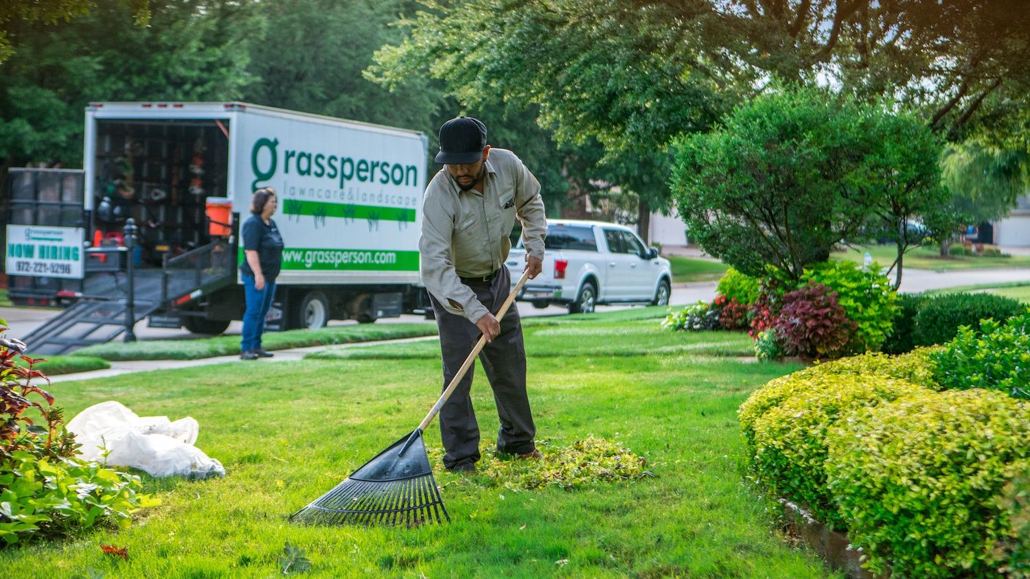 Career Tips: How Much Do Lawn Care & Landscaping Workers Make at Grassperson?